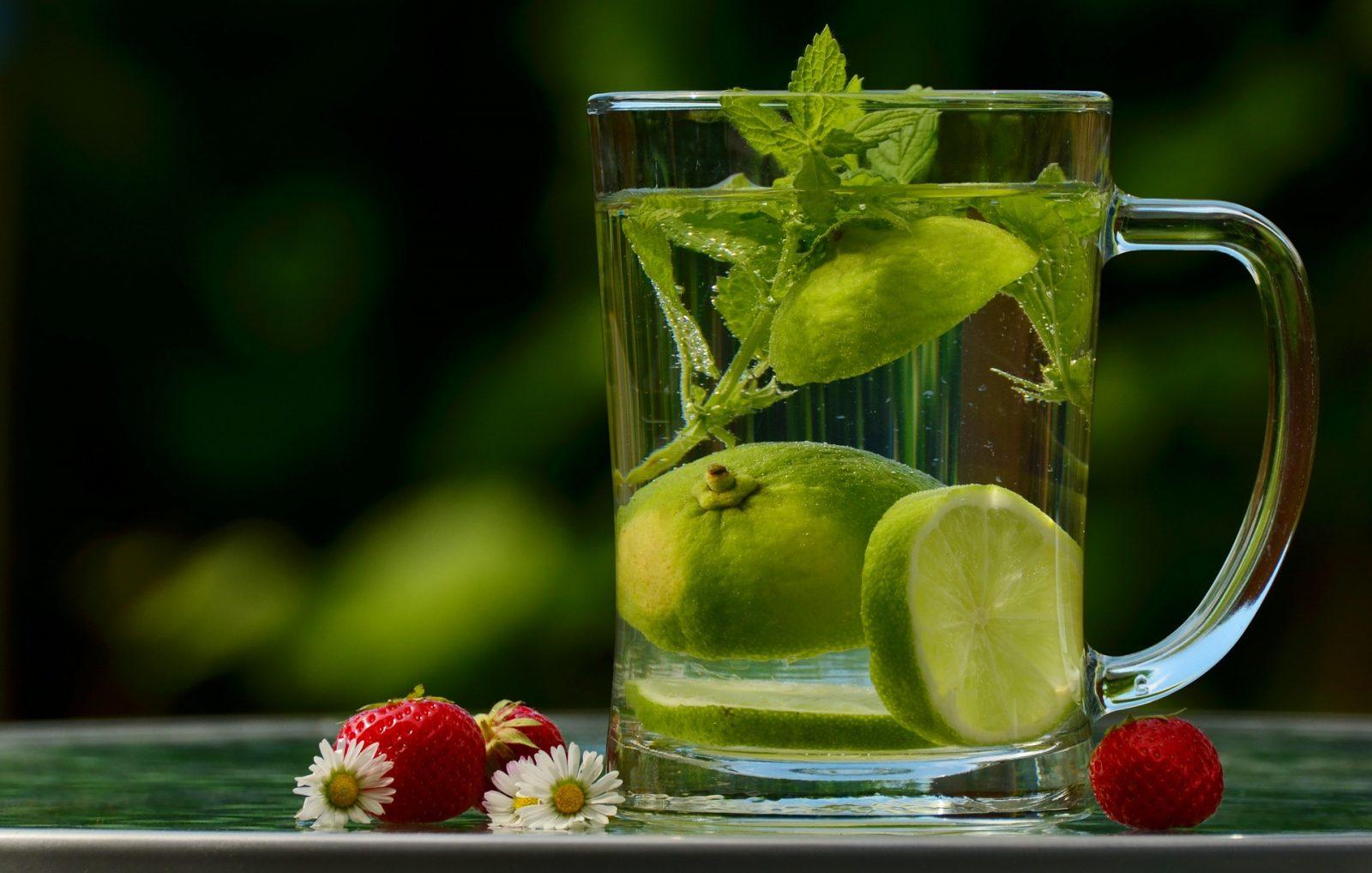 Photo of مشروبات تساعد على التركيز أثناء المذاكرة الساخنة والباردة